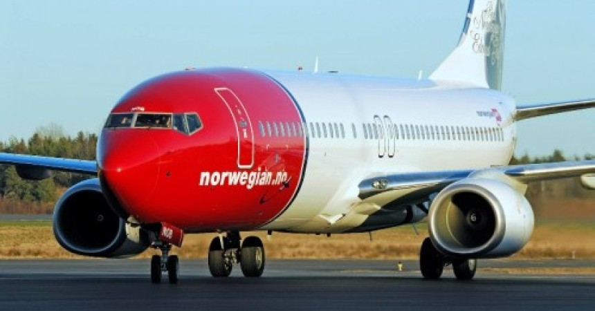«Норвегиан» стала принимать к оплате наличные