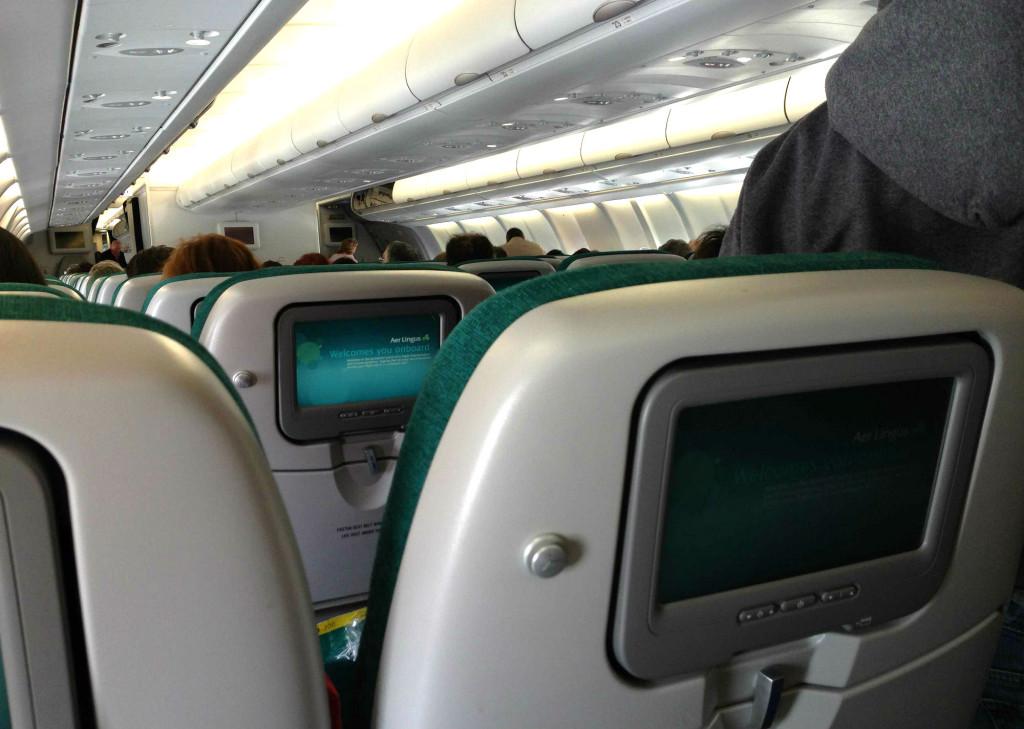 В салоне самолета авиакомпании Aer Lingus
