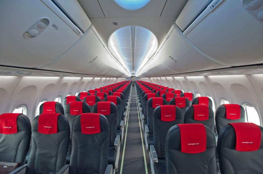 В салоне самолёта авиакомпании Norwegian