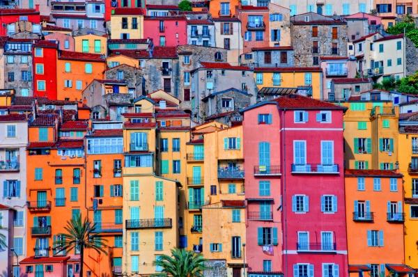 Город Ментона во Франции