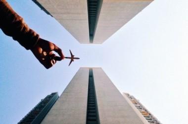 Фотографии в инстаграм «Самолет в руке»
