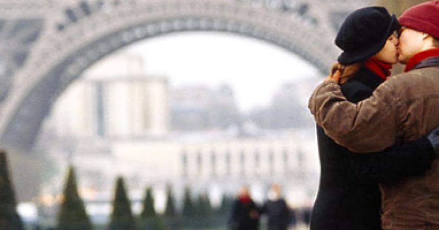 День св. Валентина в Париже. Перелеты для влюбленных