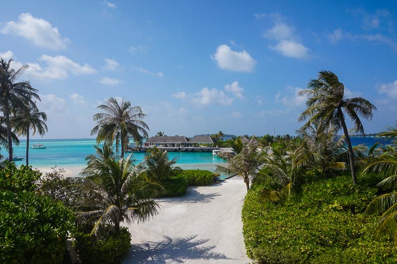 Мальдивы называют райскими островами, и это абсолютная правда. Здесь все создано для того, чтобы люди наслаждались каждой минутой пребывания