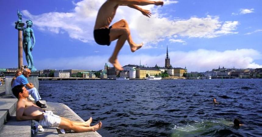 Из Варшавы на майские праздники. Авиабилеты от 35 евро туда-обратно