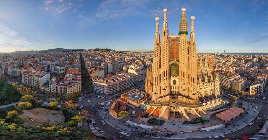 Отдых в Барселоне! Авиабилеты на май от 115 € туда-обратно!