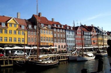 В октябре в Стокгольм за 35 евро (цена за билеты в обе стороны)