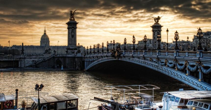 Париж в декабре от 52 евро в обе стороны!