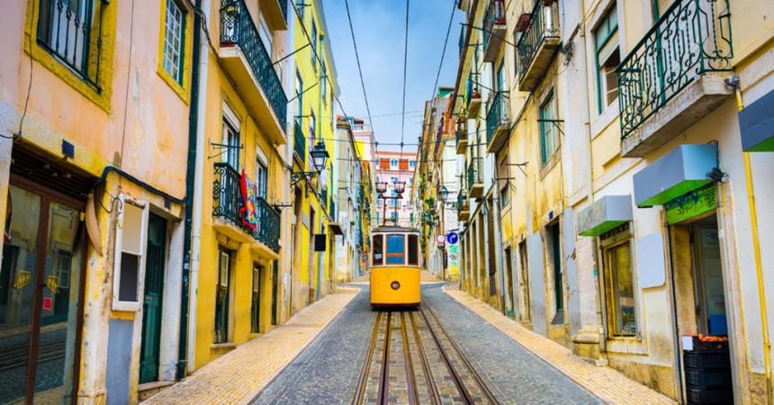 Лиссабон в декабре от 94 евро в обе стороны!